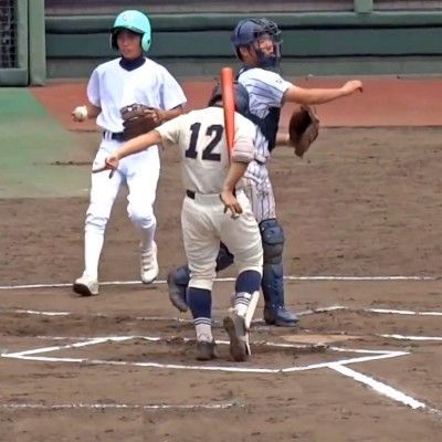 Bat-flipping Japanese high school baseball player