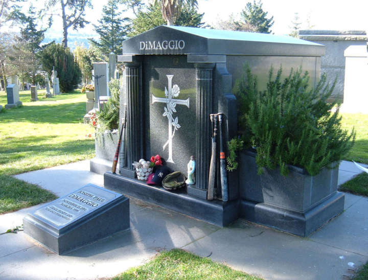Grave sites of baseball's greatest players: Joe DiMaggio tombstone