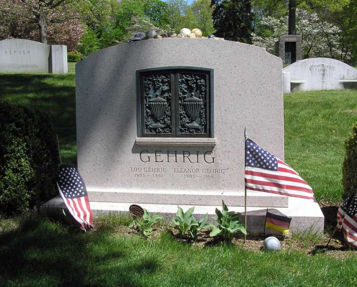 Grave sites of baseball's greatest players: Lou Gehrig tombstone