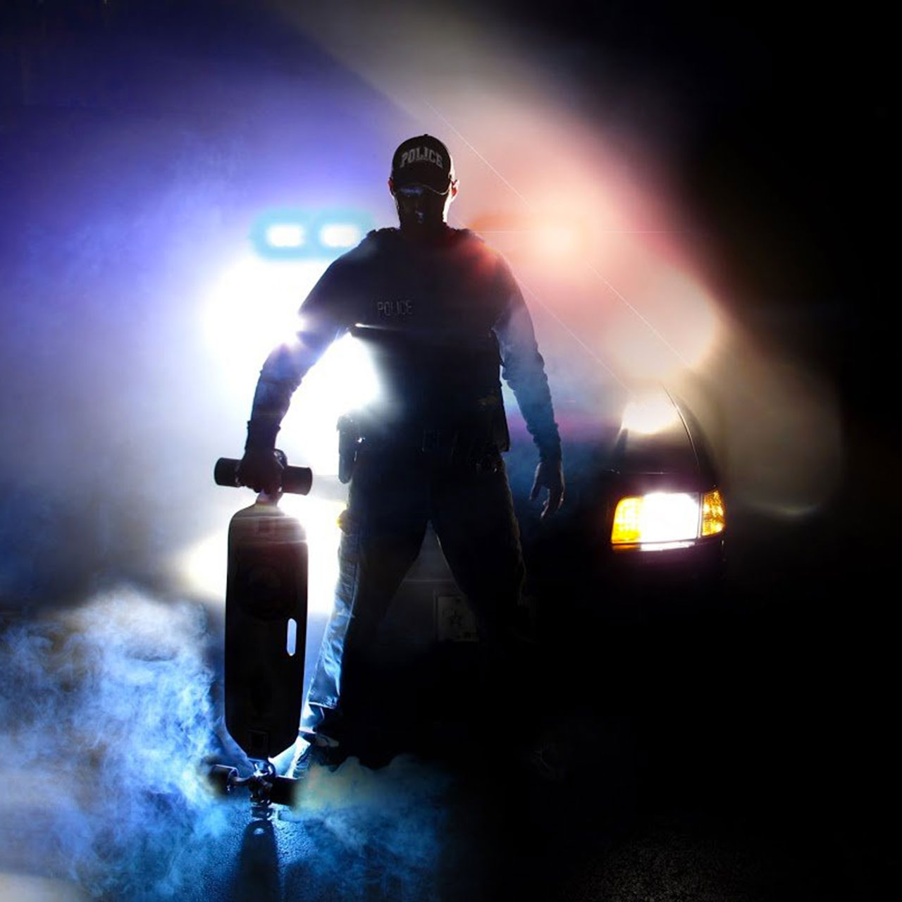 "Green Bay's ""Skateboard Cop"" patrols city on longboard"