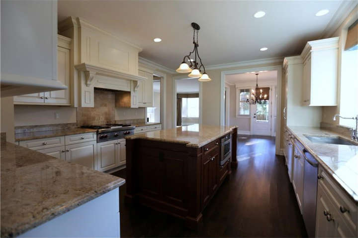 Miguel Cabrera's house for sale: Photo of kitchen