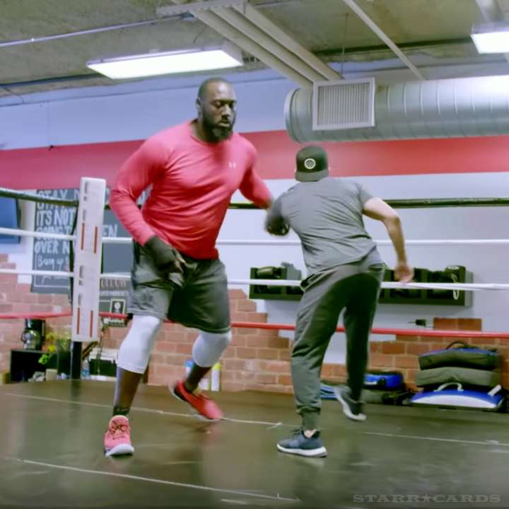 Mo Wilkerson practices MMA at UFC Gym in Hoboken, New Jersey