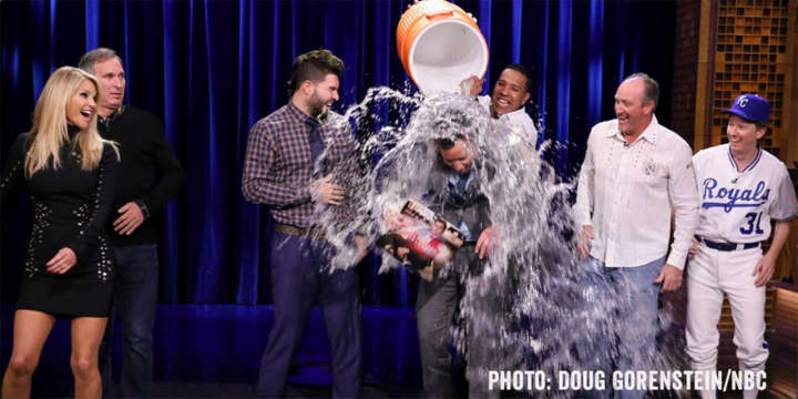 Royals catcher Salvador Perez soaks Jimmy Fallon with ice bath on 'Tonight Show'