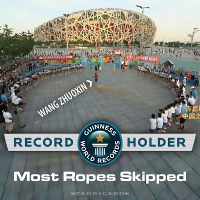 Wang Zhuoxin sets jump-rope world record over 110 ropes in Beijing