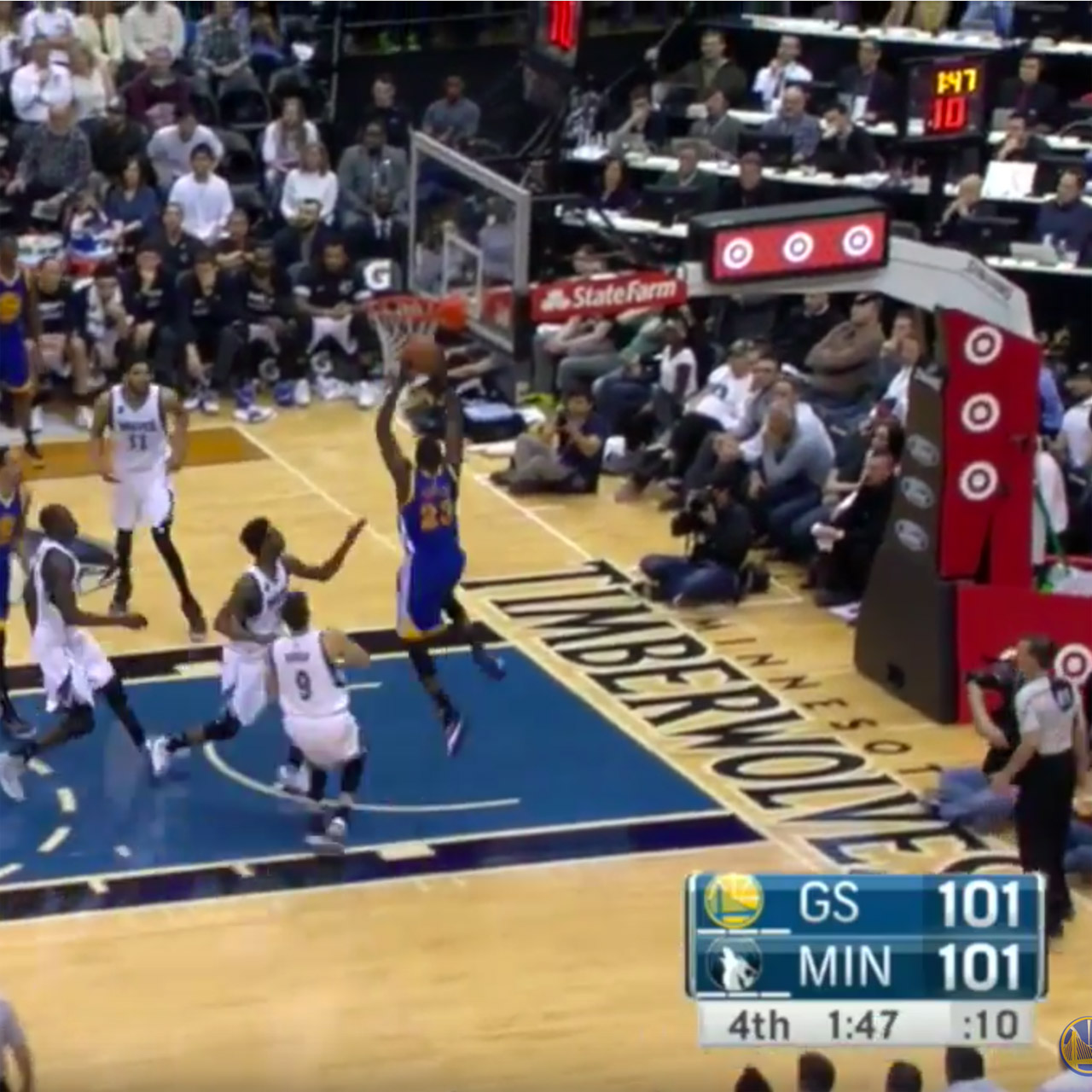 Warriors' Draymond Green dunks vs Timberwolves